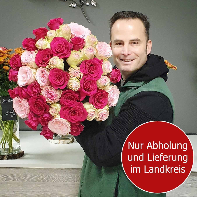 Blumenstrauss Ein Arm voller Rosen