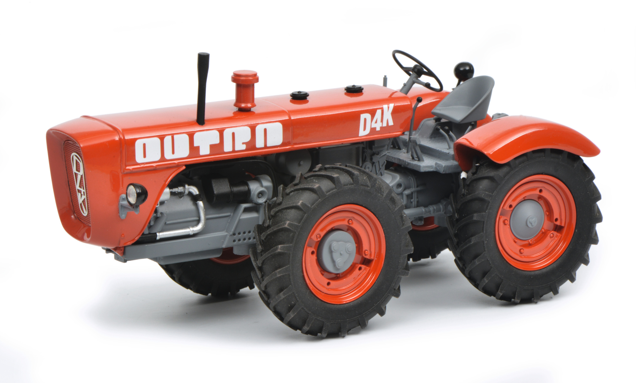 DUTRA D4K Traktor 1:32