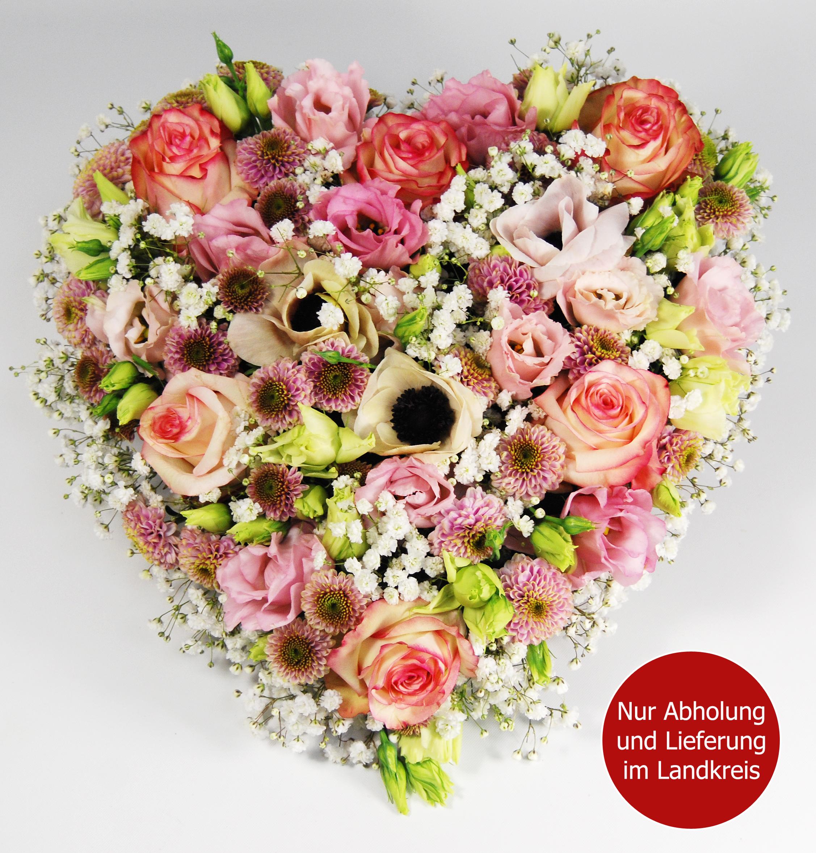 Blumenstrauss Gestecktes Herz zum Valentinstag